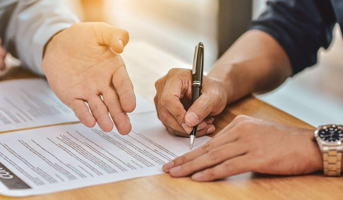 Contract Dispute Lawyers in Vietnam